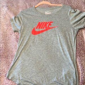 Nike T-shirt - Orange swoosh